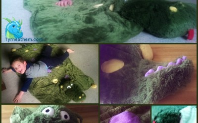 {Review} Pillow Pets ~ Glow Puppy & Dragon Blanket