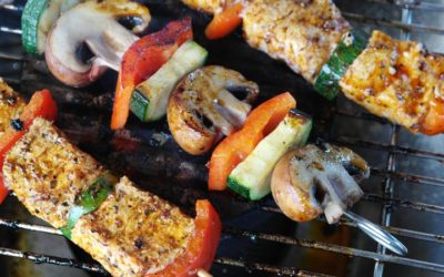 Learn to Love Outdoor Cooking With These Barbecue Essentials