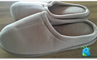 {Review} Nature's Sleep Closed Toe Memory Foam Slippers