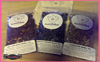 {Review} Plum Deluxe Tea